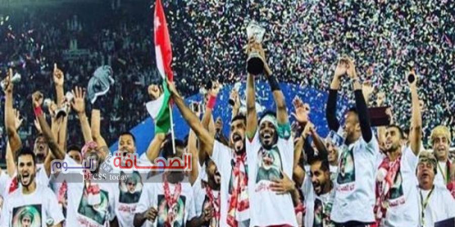 تكريم لاعبي المنتخب العماني الوطني الأول لكرة القدم والجهازين الفني والإداري