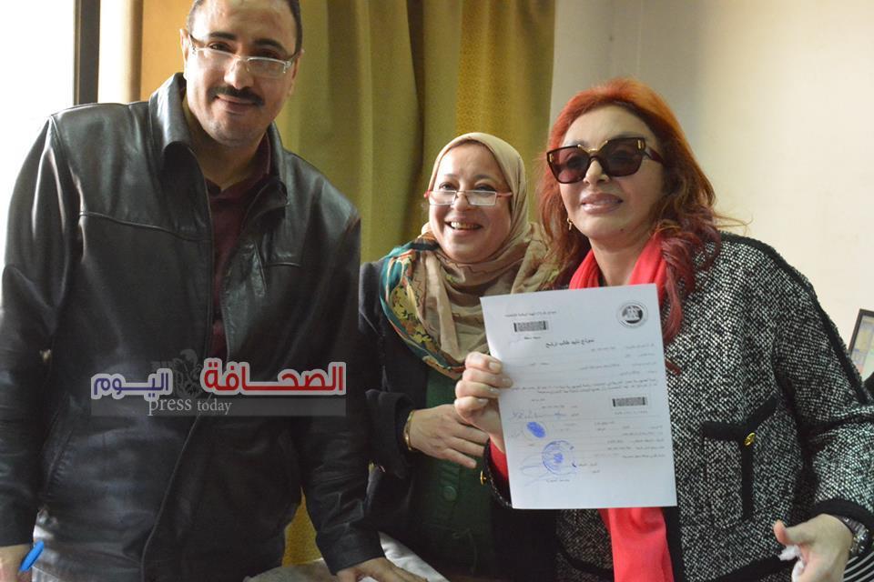 نبيلة عبيد تحرر توكيلا لدعم الرئيس السيسى للإنتخابات