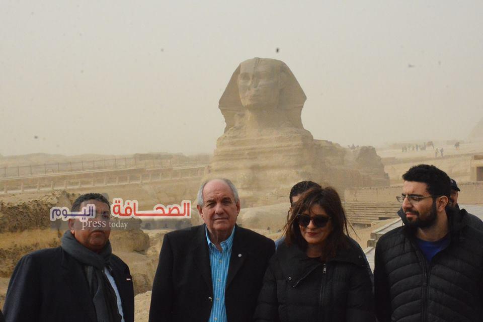 وزيرة الهجرة ونائب وزير الخارجية اليونانى فى زيارة أهرامات الجيزة