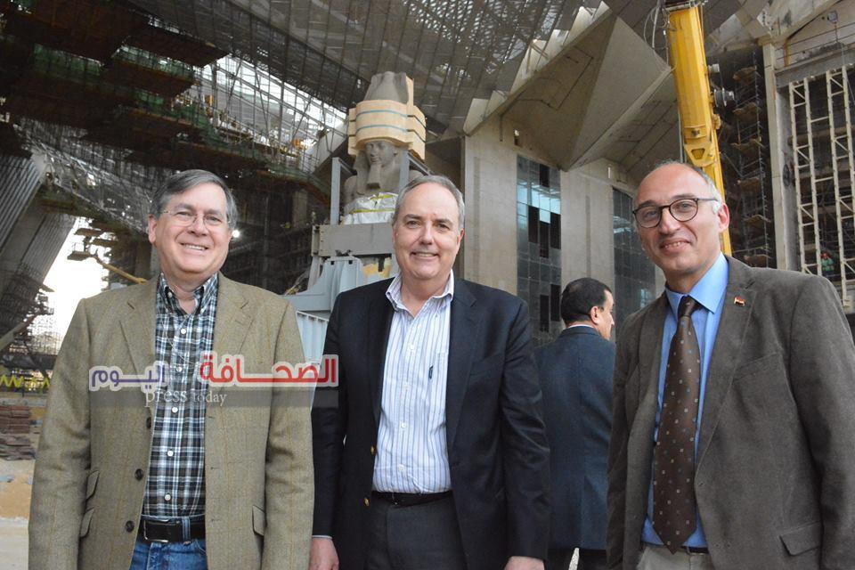 بالصور .. مساعد وزير الخارجية الامريكى يزور المتحف المصرى