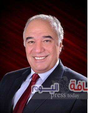 """وزارة الاستثمار توصى بتوزيع كتاب """"مصر أرض الفرص """" على سفاراتنا بالخارج"""