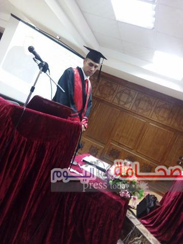 الباحث عبد الله أبو إدريس يحصل على الماجستير بإمتياز مع مرتبة الشرف