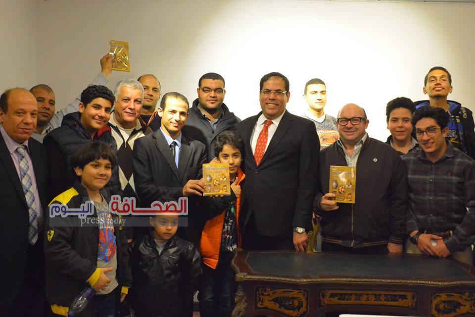 د. حسين عبد البصير يوقع كتابه ملكات الفراعنة بقاعة الشموع