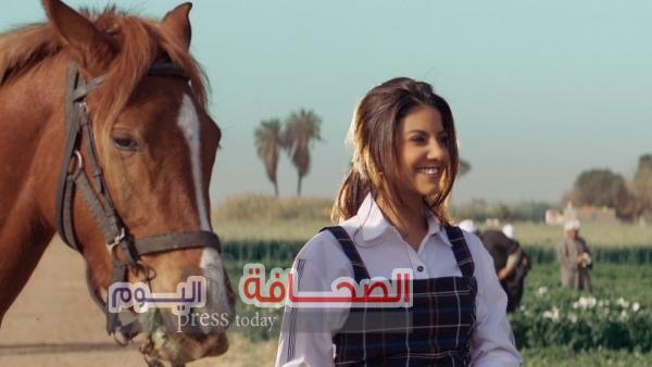 """ياسمين علي تحقق مليون مشاهدة خلال أيام من طرح """"حب زمان"""""""