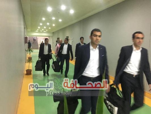 طاقم تحكيم نهائى كأس مصر يصل برج العرب