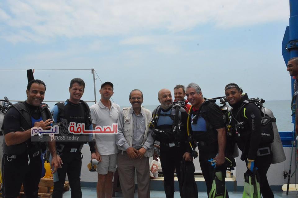 إيمن برايز يتوسط أعضاء البعثة المصرية الاوربية
