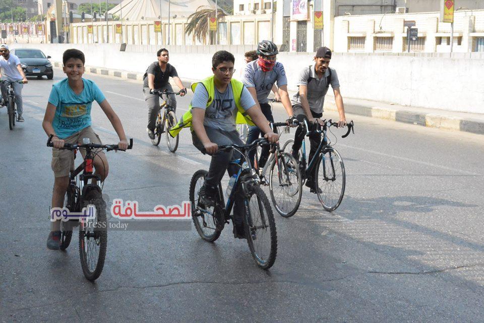 بالصور 2000 شاب يشاركون  فى رالى دراجات ( البدال )