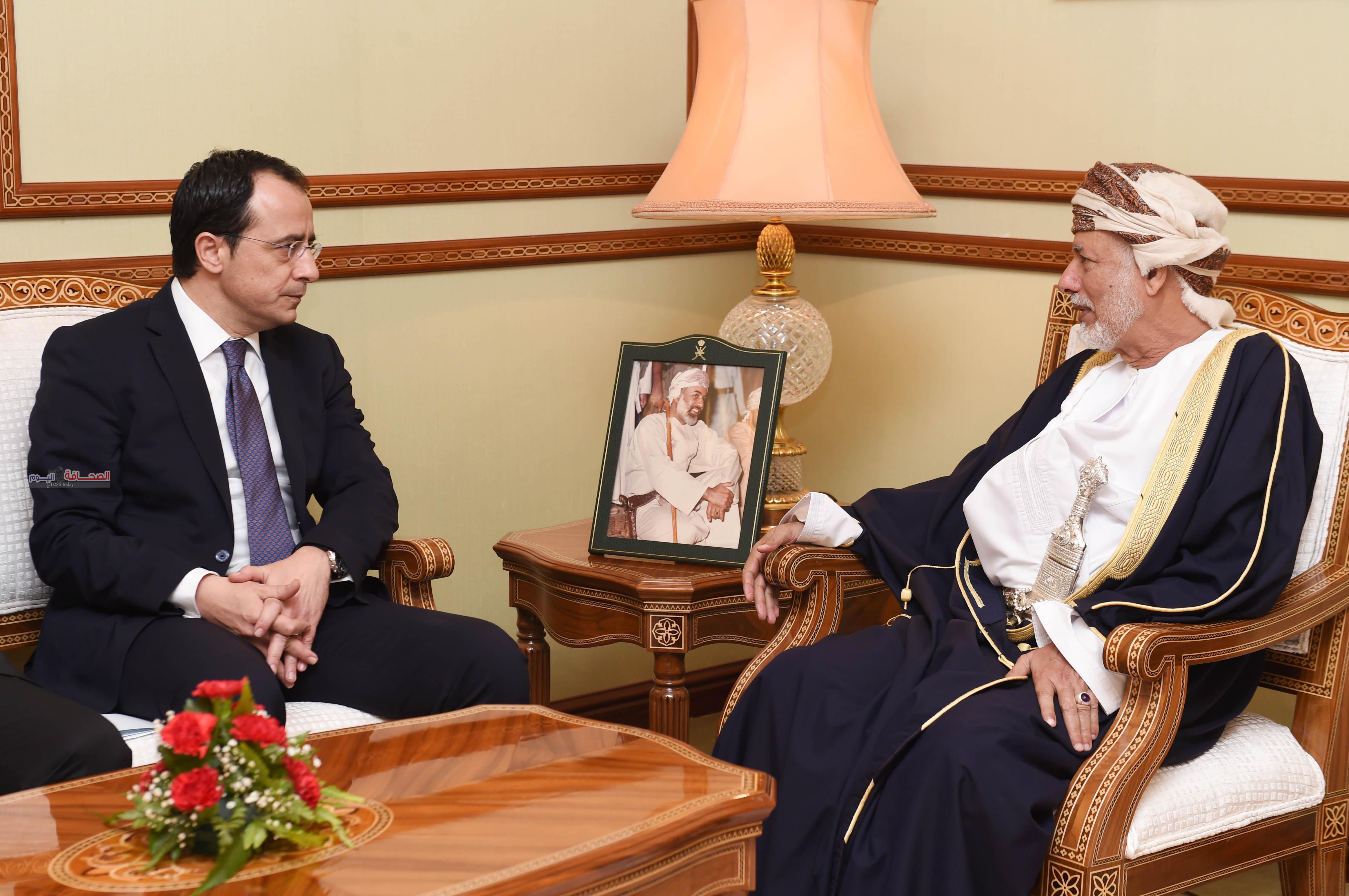 يوسف بن علوى يبحث مع نظيره القبرصي تعزيز التعاون الثنائي