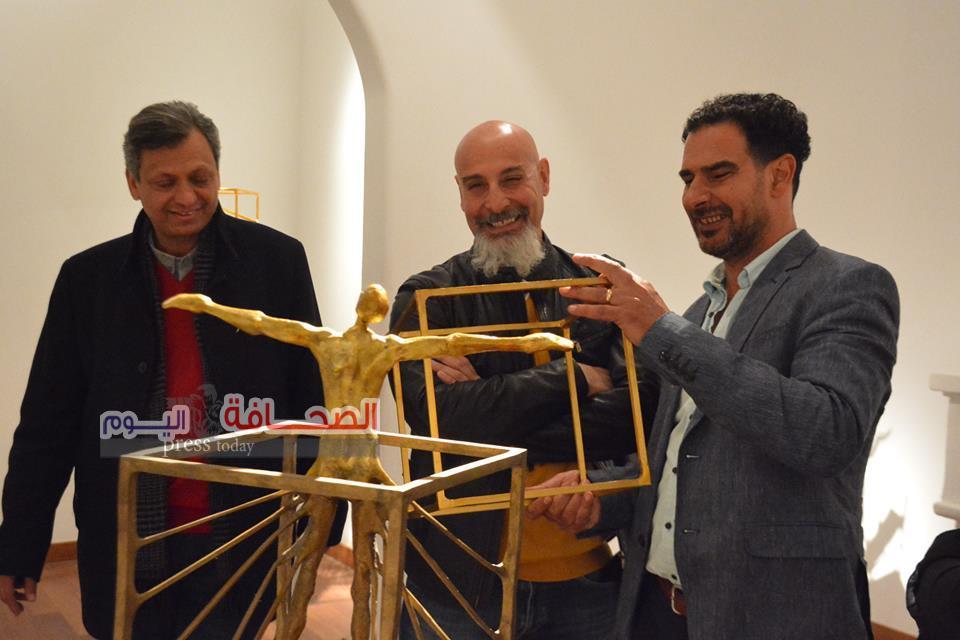 بالصور ..إفتتاح معرض برونزيات  للفنان ناثان دوس
