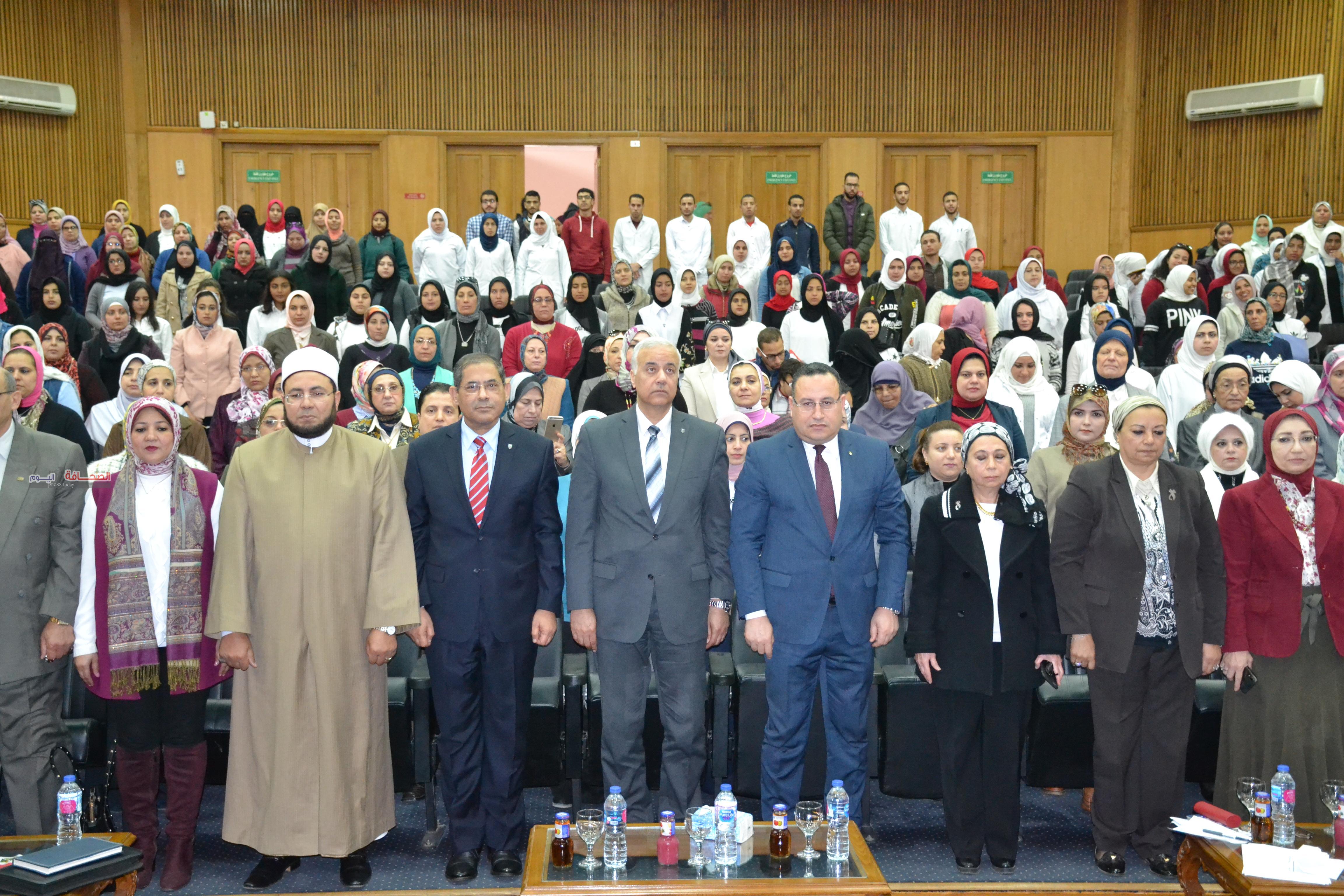 جامعة الاسكندرية تشهد احتفالية المراة المصرية فى 100 عام
