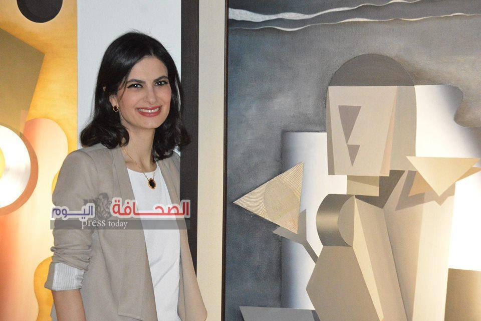 بالصور .. إفتتاح معرض تقاطعات للفنانة مهرى خليل