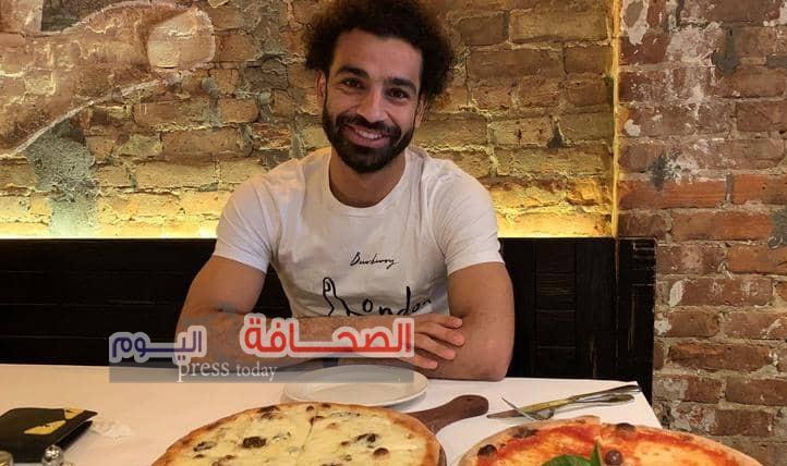 """صورة محمد صلاح على"""" تويتر """"تقلق جماهير ليفربول"""