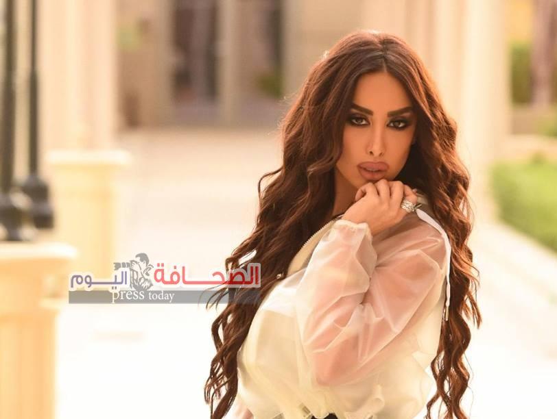 سونا غسان : أحضر لبرنامج تلفزيونى عن الموضة