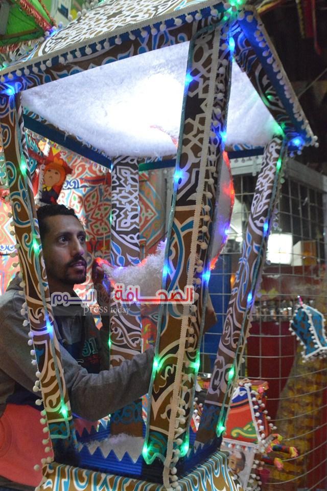بالصور .. الفانوس المصرى يستعيد مكانته بصنع فى مصر