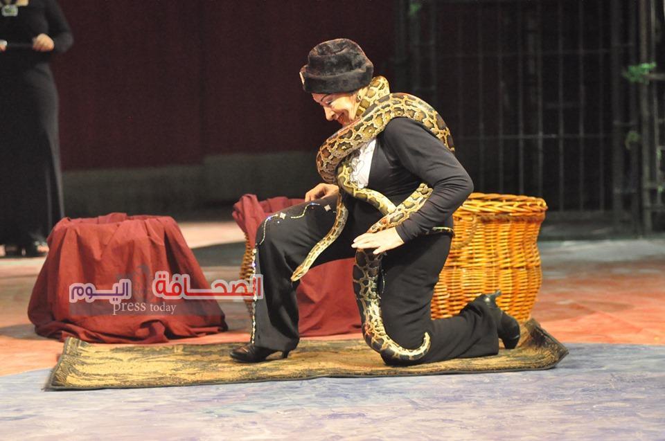 بالصور.. أطول ثعبان من الهند ينضم لفريق الثعابين بالسيرك القومى