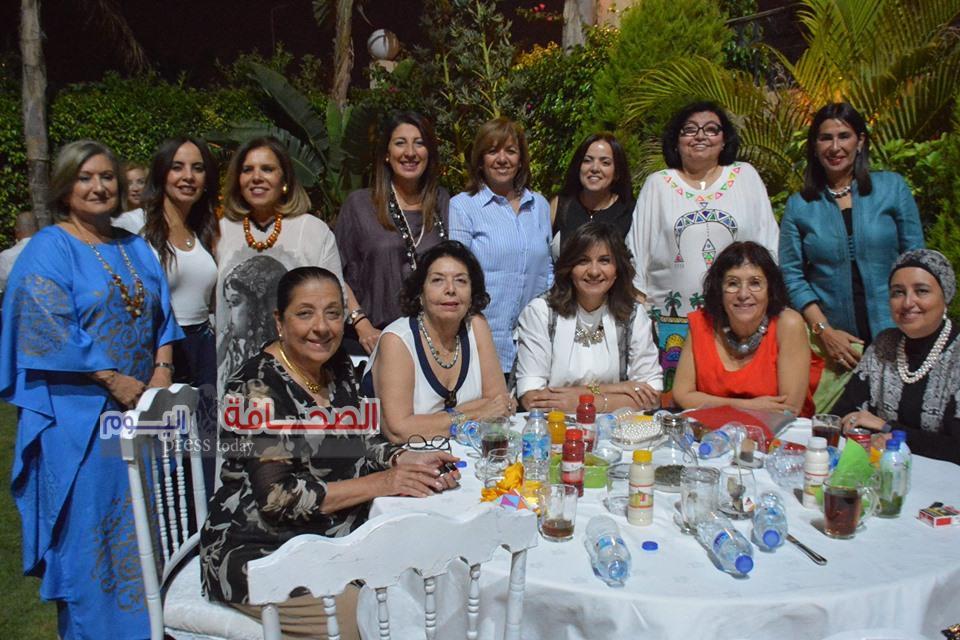 """بالصور : وزراء وخبراء البنوك فى حفل إفطار"""" لميس نجم  """""""