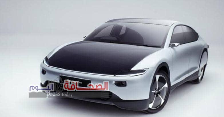 تعرف على :سعر أول سيارة شمسيه خارقة  تسير 725 كيلو بعملية شحن واحده