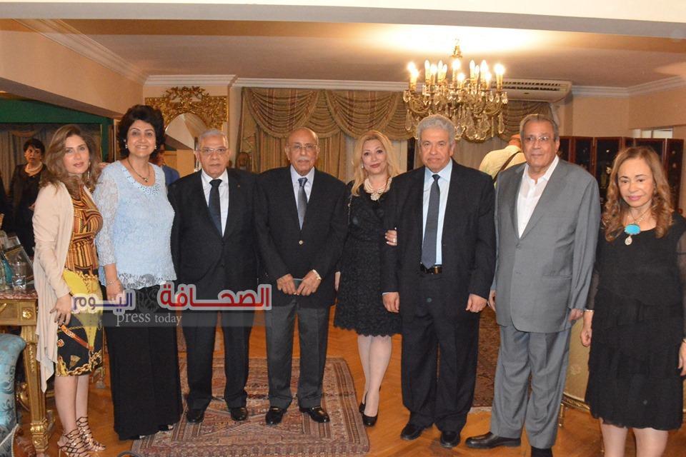 بالصور .. تكريم د. جابر عصفور ود. مفيد شهاب فى مؤسسة الشموع الثقافية