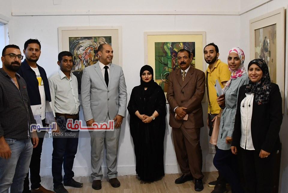 بالصور ..فنانة تشكيلية سعودية تفتح معرض ملامح مبعثرة
