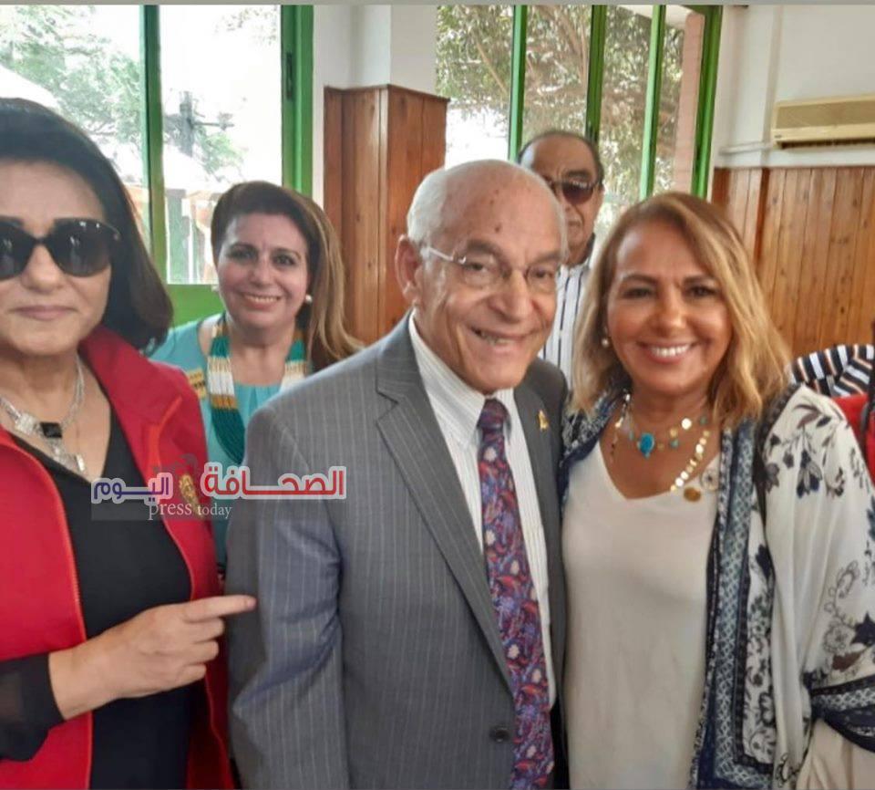 بالصور ..فاروق الباز يفتتح معرض الروتارى للمنتجات المصرية