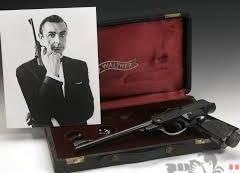 سرقة خمس مسدسات نادرة من منزل جيمس بوند