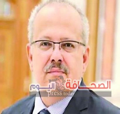 رئيس جامعة القاهرة يحيل طالبة الأثار حنين حسام إلى التحقيق