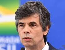 إستقالة وزير الصحة البرازيلى بسبب تغيير بوتوكول النظام الصحى لمكافحة فيروس كورونا