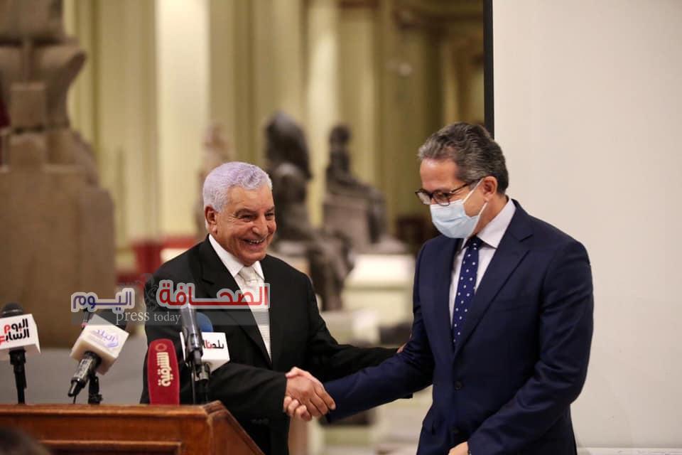 """بالصور .. وزراء وسفراء خلال إحتفالية تكريم """"زاهى حواس """"بالمتحف المصرى"""