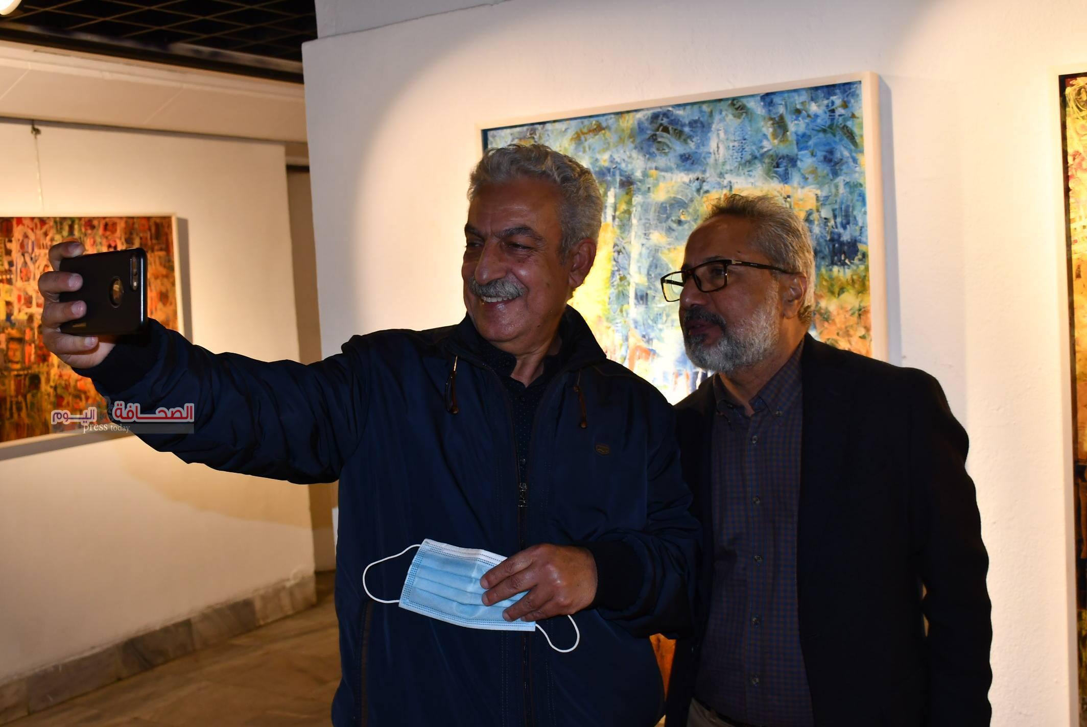 """بالصور .. إفتتاح معرض رؤى للفنان """"تيسير حامد"""""""