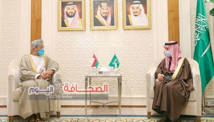 وزير الخارجية العُماني يبحث تعزيز العمل الخليجي المشترك مع السعودية والكويت