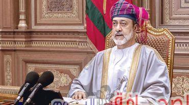 سلطنة عمان:آلية إنتقال الحكم إلى أكبر الابناء سنآ ثم إلى أكبر أبناء هذا الابن