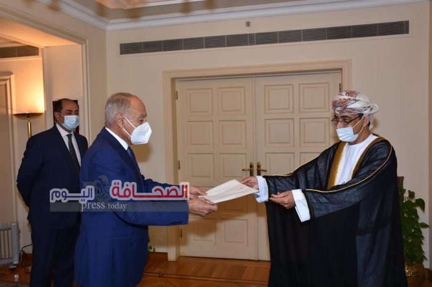 الرحبى يقدم أوراق إعتماده مندوباً دائماً لسلطنة عُمان في الجامعة العربية