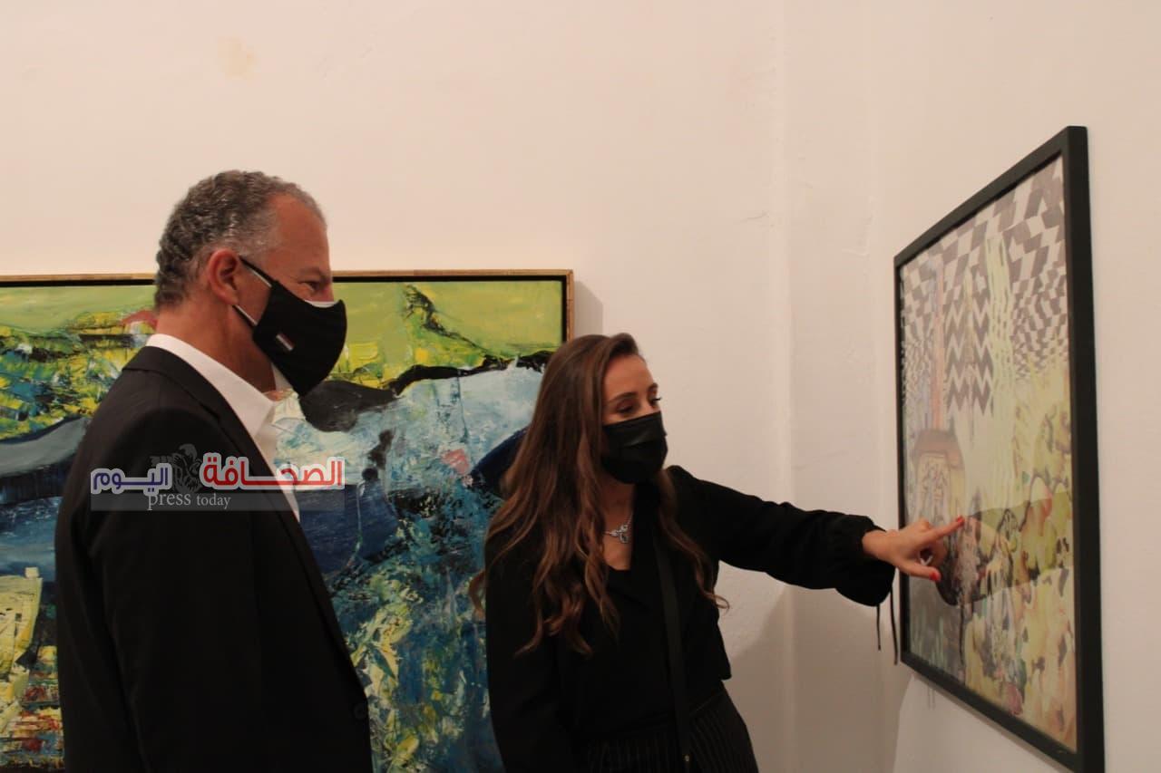 """السفير الامريكى يفتتح معرض """"مؤنث """"بوسط القاهرة"""