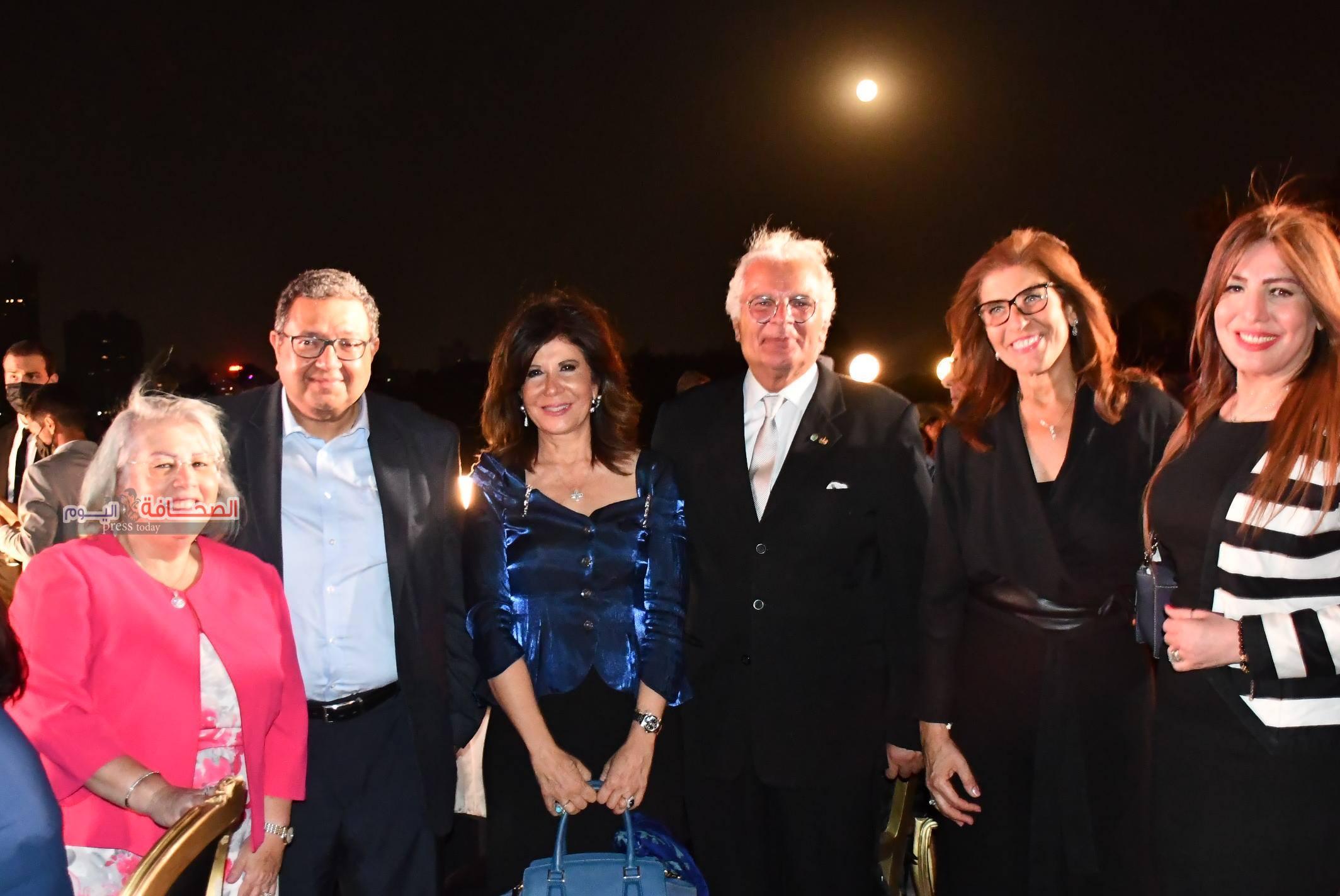 الجامعة الأمريكية بالقاهرة تودع رئيسها فرانسيس ريتشياردوني في احتفالية على نيل القاهرة