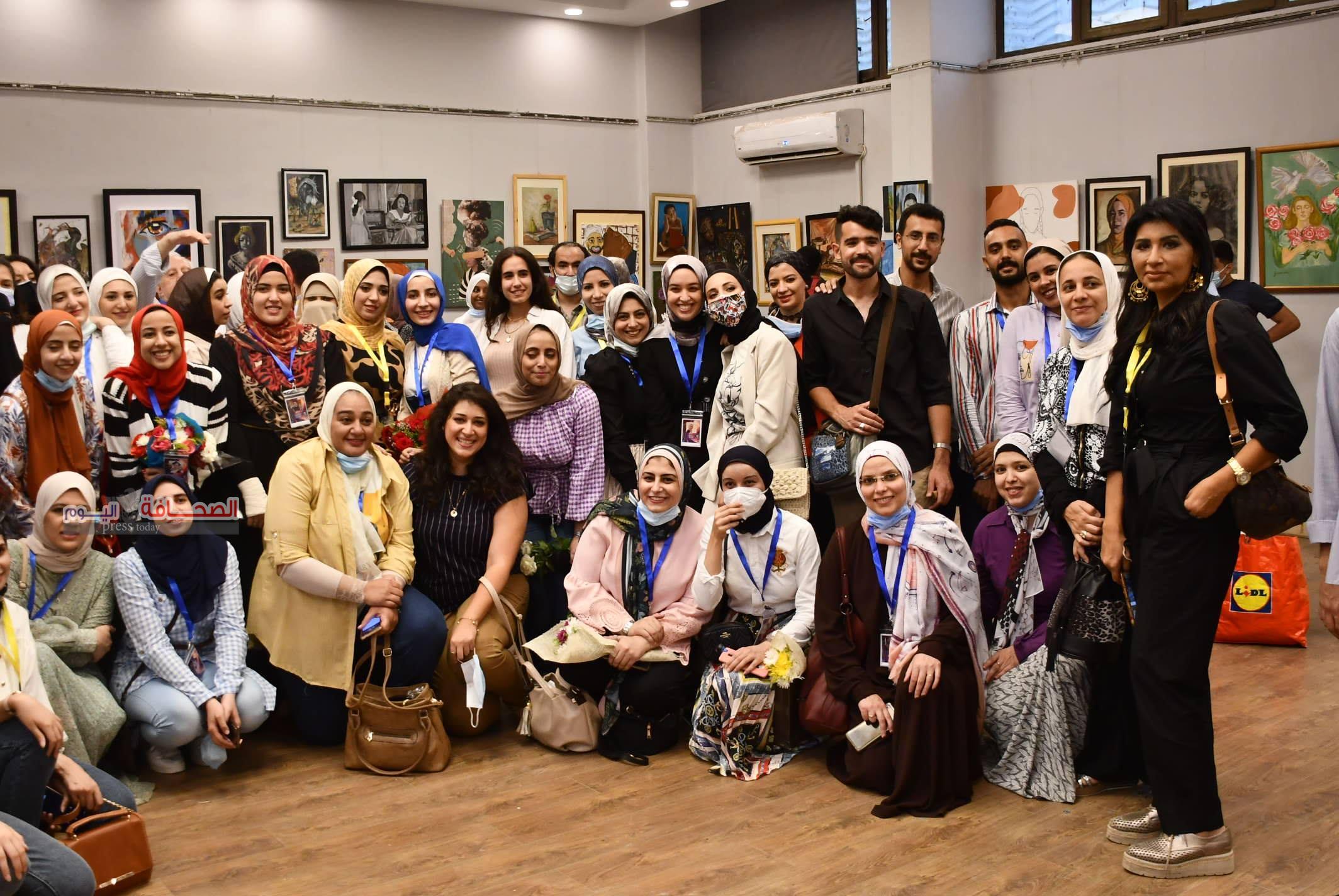 بالصور ..حفل تخرج طلاب  الدراسات الحرة بالفنون الجميلة