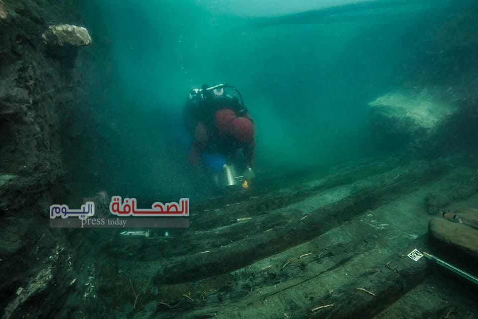 بالصور..أكتشاف سفينة حربية غارقة بالاسكندرية