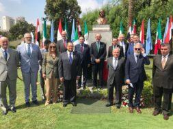 سفير المكسيك يتوسط سفراء دول امريكا اللاتينيه فى الاحتفال